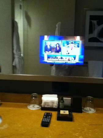 Four Seasons Hotel Denver: Mirrors with built-in TVs