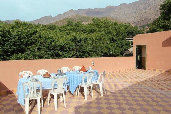 Auberge Iminouasif : beautiful views from terrace