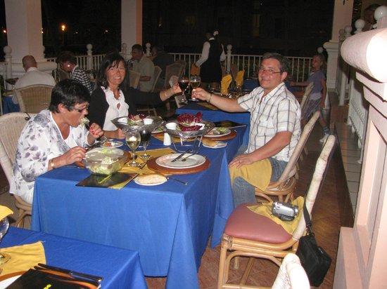 Hotel Riu Palace Punta Cana: Beach restaurant
