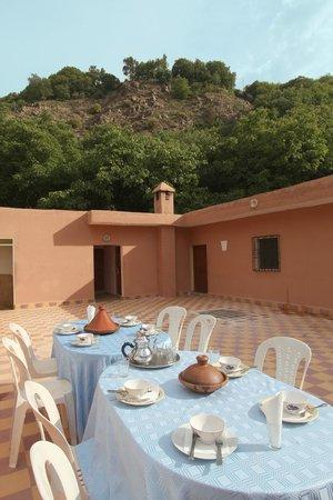 Auberge Iminouasif : terrace
