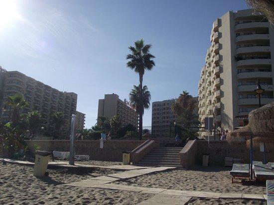 Sol Timor Apartamentos: The Sol Timor, from the beach