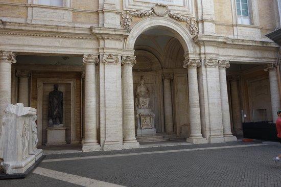 Musei Capitolini: entrance to the Capitoline Museum