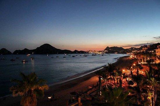 Villa del Palmar Beach Resort & Spa Los Cabos: View from the room at night