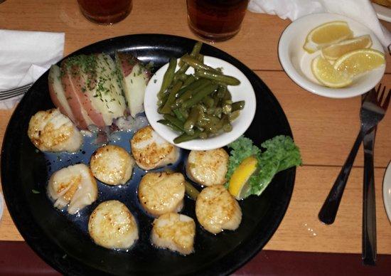 Castaway Waterfront Restaurant Sushi Bar