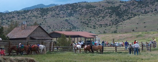 Mountain Sky Guest Ranch: Dinner ride