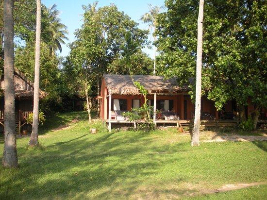 Mango Bay Resort: le batiment qui comprend plusieurs chambres avec terrasse