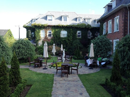 Hayfield Manor Hotel : Back Courtyard