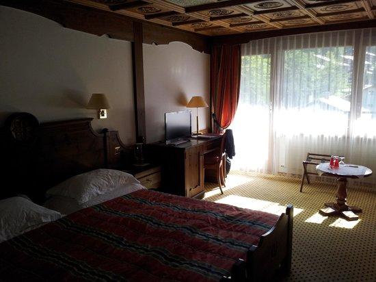 Allalin Swiss Alpine Hotel: Quarto com Vista p/ Matterhorn