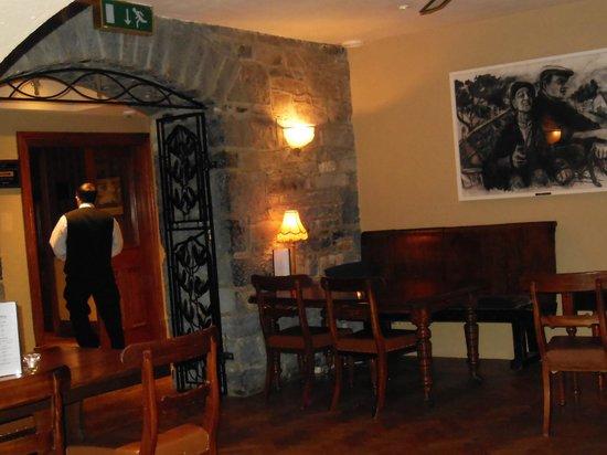 Glenlo Abbey Hotel : Cozy Pub