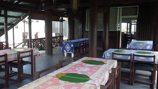Pasefika Inn: Área destinada a alimentação