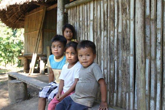 La Selva Amazon Ecolodge: Local Kids in the Village