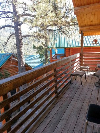 Mt. Charleston Lodge: Bakc Deck