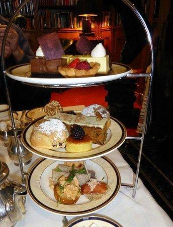 Hayfield Manor Hotel : Tea!