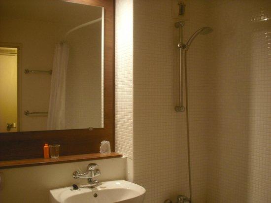 Campanile Paris Sud - Porte d'Italie: Banheiro