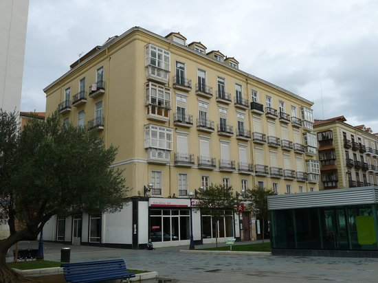 Plaza Pombo B&B: Edificio del hostal