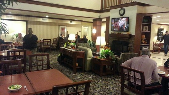 Staybridge Suites Davenport : dining room