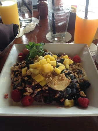 Aulani, a Disney Resort & Spa: Fruit crepes for breakfast