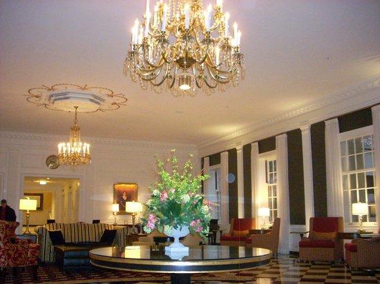 The Dearborn Inn, A Marriott Hotel: Lobby