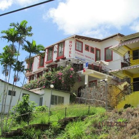Vereda Tropical Hotel: view from the mainstreet