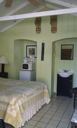 Tropical Cottages: Cottage 6 Interior
