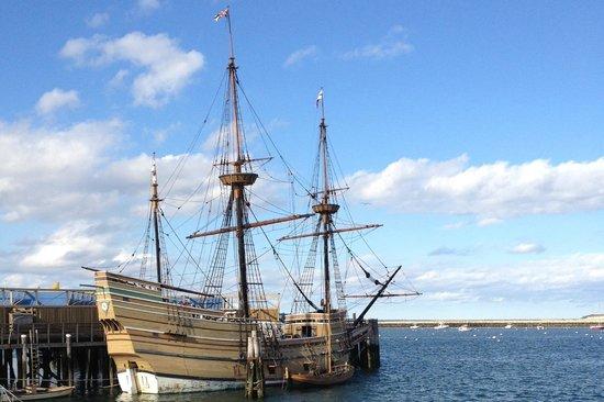 Pilgrim Memorial State Park: Mayflower replica