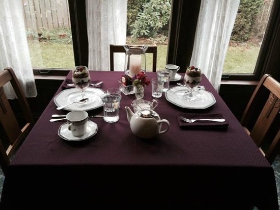 The Kirk House Bed & Breakfast: Spectacular breakfasts!