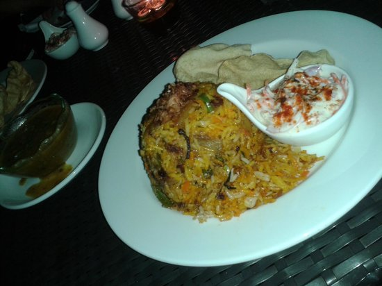 The Taaras Beach & Spa Resort : Candle light - Indian Dinner on the beach