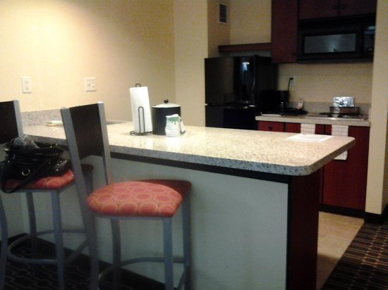 Hampton Inn and Suites Charlotte - Arrowood Rd.: kitchen in king suite w/kitchen hampton inn & suites arrowood