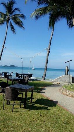 Santhiya Tree Koh Chang Resort: หน้าหาดสวยมาก