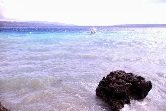 Isla Hayahay: Blue blue water
