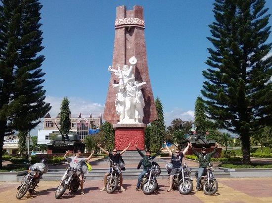 Vietnam Smiling Easyrider - Motorbike Tours