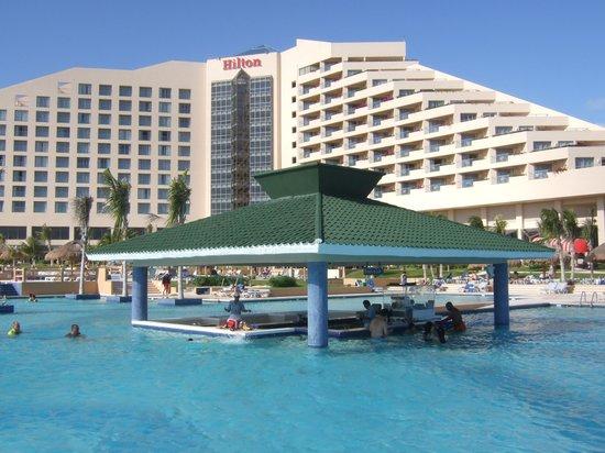 Iberostar Golf Club Cancun: プールバー