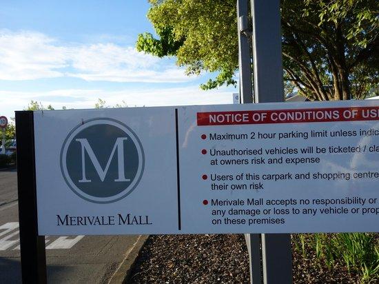 Southern Comfort Motel: 近隣のスーパーはメリベールモールの中にあります。