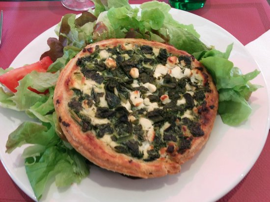 A La Pause Rabelaisienne: Spinach and Goat Cheese Tartlette