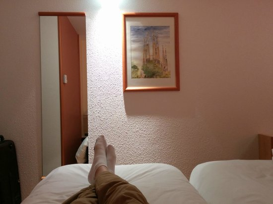 Ibis Amboise: Small Room