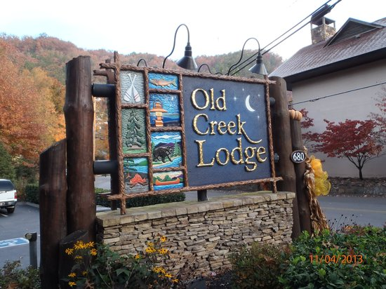 Old Creek Lodge: Front