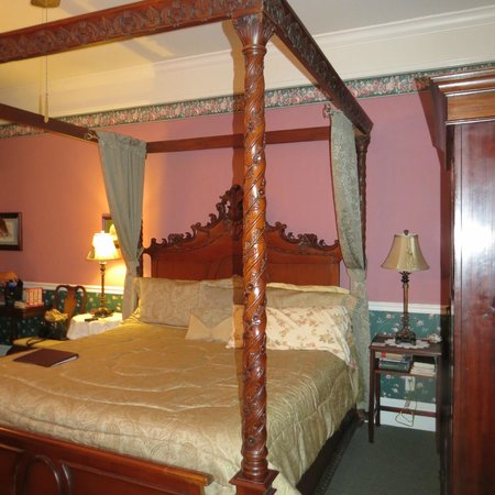 Grey Gables Inn: Byron Room