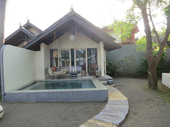 Lilin Lovina Beach Hotel: our lovely room