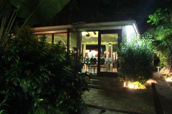 Island Inn Hotel: ...