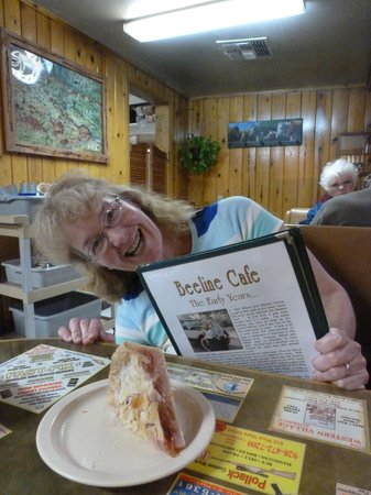 Beeline Cafe: Interesting cafe history on the menus - and my 'stand alone' pie!