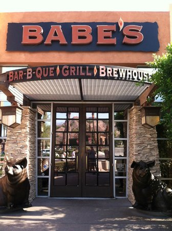 Babe's Bar-B-Que Grill and Brewhouse : Back at Babe's by day