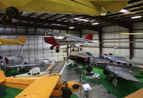 Virginia Aviation Museum : More planes
