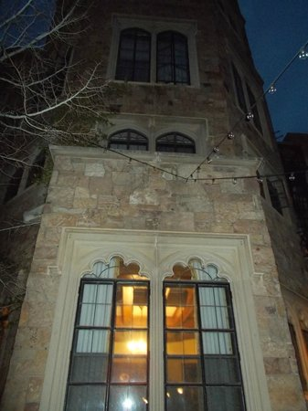 Glen Eyrie Castle & Conference Center: Tower at night