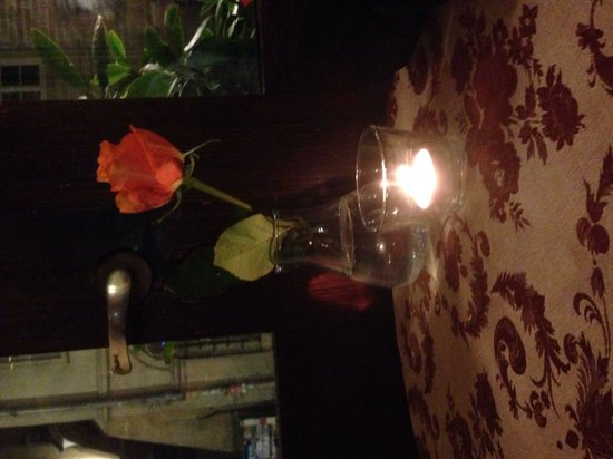 Zazie Bistro: Lovely table at the window