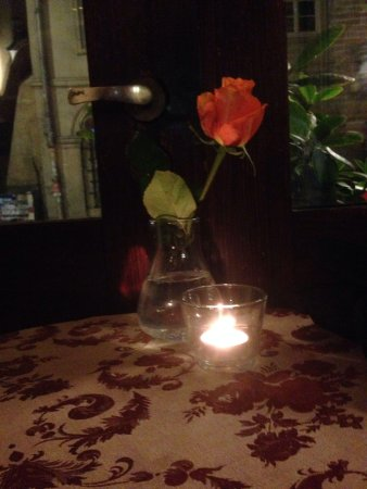 Zazie Bistro : Lovely table at the window