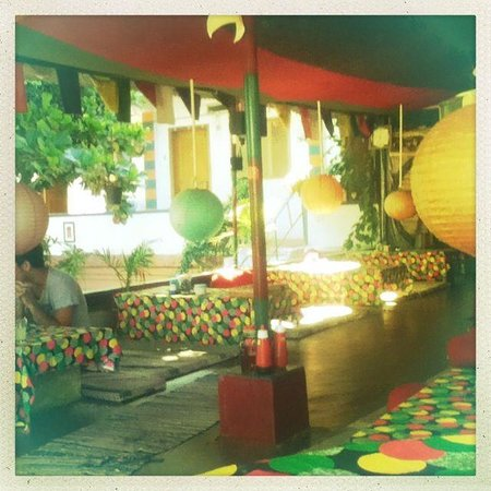 Raju Guest House: The ever green cafe
