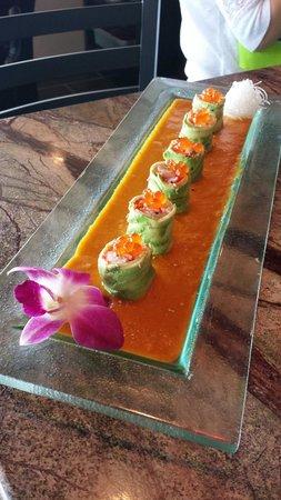 Koi Asian Fusion Lounge: salmon dynamite appetizer