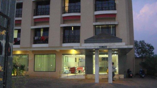 Hotel Aristro & Zo Rooms: Hotel Aristro