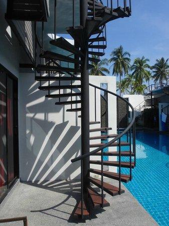 The Kris Resort: Выход на крышу