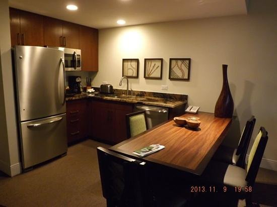 Kings' Land by Hilton Grand Vacations: kitchen 1 bedroom condo, bld 22
